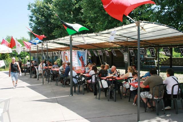 """Torna l'appuntamento con la Festa di Rifondazione Comunista organizzata dal Circolo """"Hugo Chavez Frias"""" del Prc di Vigevano."""