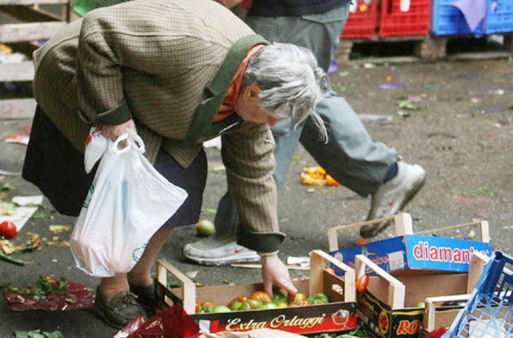 Povertà: dati Istat micidiali. Ci vuole il reddito minimo e un piano per il lavoro, NO alla Flat-Tax!